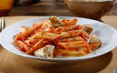 Looking for an authentic Italian recipe? Try our step-by-step recipe for Barilla® Protein+™ Penne With Barilla® Roasted Garlic Sauce & Rosemary Chicken for a delicious meal! Barilla Recipes, Pasta Recipes, Chicken Recipes, Cooking Recipes, Cooking Ideas, Easy Delicious Recipes, Healthy Recipes, Healthy Meals, Healthy Food