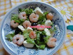 Salada de alface, camarão, feta e azeitonas http://tertuliadasusy.blogspot.pt/2013/07/salada-de-alface-camarao-feta-e.html