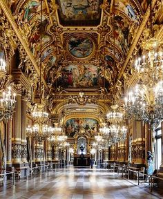 #DispatchFrom @clerkenwellboyec1 showing a pretty grand side of Paris at #PalaisGarnier  Tag someone you would take here! #TravelerInParis