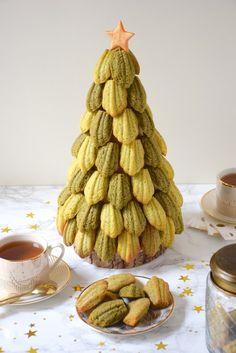 Christmas Tea, Christmas Cooking, Christmas Desserts, Xmas, Madeleine Cake, Madeleine Recipe, Paris Cakes, French Bakery, Sweet Pastries