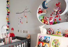 Blanco con toques turquesa para la habitación del bebé