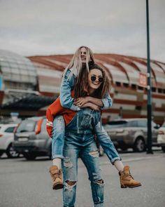 me and my bff Cute Friend Pictures, Best Friend Pictures, Shotting Photo, Best Friend Photography, Photos Originales, Friend Poses, Instagram Pose, Cute Friends, Best Friend Goals