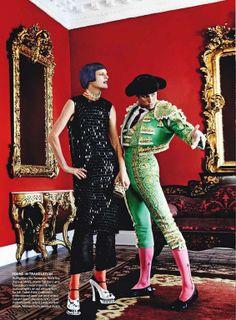 """El Dorado"": Stella Tennant in Peru by Mario Testino for US Vogue Stella Tennant, Mario Testino, Spanish Dress, Spanish Style, Artistic Fashion Photography, Androgynous Models, Vogue Us, Photo Black, Calvin Klein Dress"