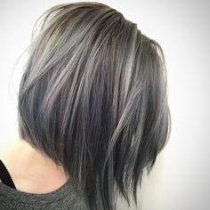 Ainda tenho que pintar meu cabelo dessa cor, só preciso de manimani