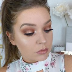 Summer Halo Makeup Tutorial by Kristikellum. Makeup Geek Eyeshadow in Cabin Fever, Cocoa Bear, Morocco, Peach Smoothie, and Shimma Shimma. Makeup Geek Foiled Eyeshadow in Flame Thrower and Legend.