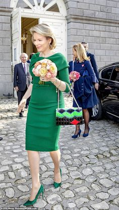 Queen Mathilde of Belgium mother-of-four, who is married to King Phillipe, has a busy week of engagements ahead . Office Outfits Women, Summer Outfits Women, Summer Fashions, Woman Outfits, Dresses For Teens, Club Dresses, Midi Dresses, Night Club Outfits, Royal Clothing