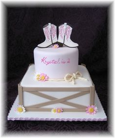 And elegant cowgirl theme featuring fondant cowgirl boots, daisies and ranch-style fence. Western Theme Cakes, Cowgirl Cakes, Cowgirl Party, Pretty Cakes, Cute Cakes, My Birthday Cake, Horse Birthday, Birthday Ideas, Little Pony Cake