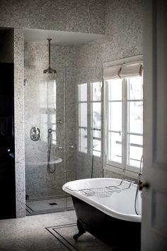 Hotel Providence Paris | Luxurious Boutique Hotels in Paris and What to Pack | Visit Travelshopa