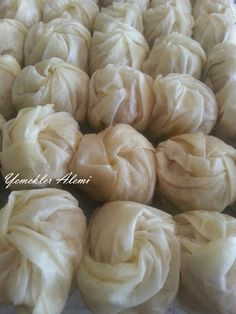 Gül Baklava – Yemekler Alemi Diy And Crafts, Garlic, Deserts, Food And Drink, Yummy Food, Vegetables, Cooking, Sweet, Sweets