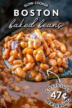 Slow Cooker Boston Baked Beans Recipe • Food Folks and Fun Potluck Side Dishes, Dinner Dishes, Side Dishes Easy, Vegetable Side Dishes, Side Dish Recipes, Dinner Recipes, Dinner Ideas, Potluck Ideas, Lunch Recipes