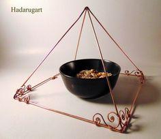 Piramida din cupru handmade by hadarugart Copper Artwork, Artisan, Handmade, Email, Twitter, Deviantart, Decor, Instagram, Teal Tie
