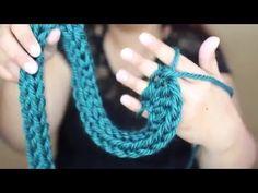 TEJIDO CON SOLO LOS DEDOS | COMO HACER UNA BUFANDA DE TEJIDO - YouTube Finger Crochet, Finger Knitting, Arm Knitting, Hand Crochet, Knitting Patterns, Knit Crochet, Crochet Patterns, Finger Weaving, Crochet Neck Warmer