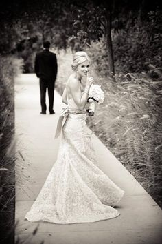 Hochzeitsfoto: Verfolgen des Bräutigams (pic) Photo Credit: True Photography