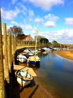 Blakeney, Norfolk, UK Norfolk Beach, Norfolk Coast, Norfolk England, Norfolk Cottages, Norfolk Broads, Norwich Norfolk, Most Beautiful Cities, Photo Location, Great Britain