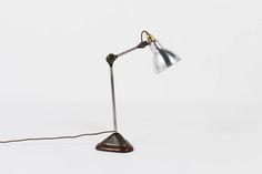 Lampe de bureau modele 206 nickele socle chene Bernard Albin Gras edition Ravel Clamart 1921 Disponible sur https://www.galerie44.com/collection/nouveautés-du-mois-categorie/lampe-de-bureau-modele-206-nickele-socle-chene-bernard-albin-gras-edition-ravel-clamart-1921-details