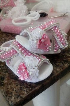 1 million+ Stunning Free Images to Use Anywhere Baby Girl Baptism, Baby Girl Princess, Cute Baby Shoes, Baby Girl Shoes, Crochet Baby Sandals, Baby Girl Crochet, Baby Album, Baby Sneakers, Doll Shoes