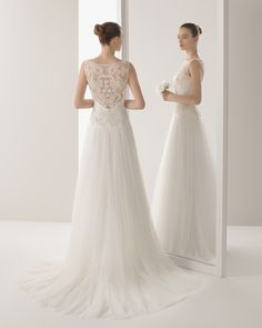 Ines novia tejido bordado con pedrería y tul sedoso#weddingdress #wedding #women #fashion #laceweddingdress #collection2015