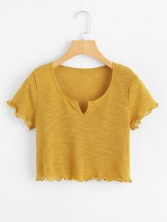 Shop Lettuce Trim V-Cut Neck Crop Tee at ROMWE, discover more fashion styles online. Teen Fashion Outfits, Fashion Mode, Girl Outfits, Summer Outfits, Crop Top Outfits, Cute Casual Outfits, Jugend Mode Outfits, Neue Outfits, Cute Crop Tops