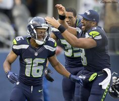 10d2cd4af Rookies Tyler Lockett and Frank Clark provide the highlights in Seahawks   exhibition loss. http