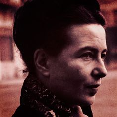 """Simone de Beauvoir éum nome importante para a filosofia e uma pensadora que ainda se faz bem presente, basta lembrarmos o """"frisson"""" que seu texto provocou no Enem de 2015. O documentá…"""