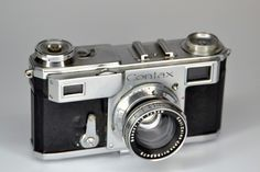 I still love these old Contax rangefinders! I don't use mine so often these days, but they still get the odd play date.