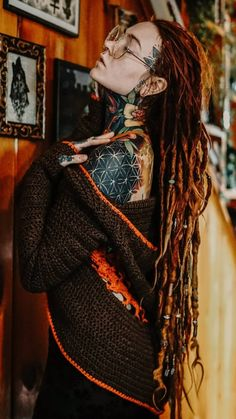 Colored Dreads, Beautiful Dreadlocks, New Look Fashion, Dreadlock Styles, Gothic Girls, Unique Outfits, Female Portrait, Inked Girls, Pin Up Girls