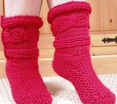 Ravelry: J9's Super Chunky Slippers pattern by Janine Shepherd