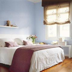 En habitaciones pequeñas la mejor opción es un único estor de un tejido vaporoso, como el lino o el algodón.