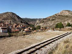 Patrimonio Industrial Arquitectónico: Una escuela taller podría recuperar la vía del tren minero de Utrillas. Teruel (Aragón)