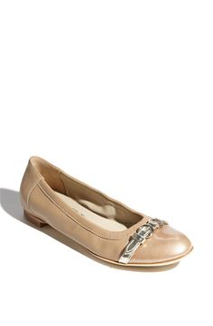 Love love love these... for anyone who wants actually comfortable flats.