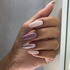 What Christmas manicure to choose for a festive mood - My Nails Nude Nails, Nail Manicure, Pink Nails, Fake Gel Nails, Stick On Nails, Almond Acrylic Nails, Cute Acrylic Nails, Xmas Nails, Halloween Nails