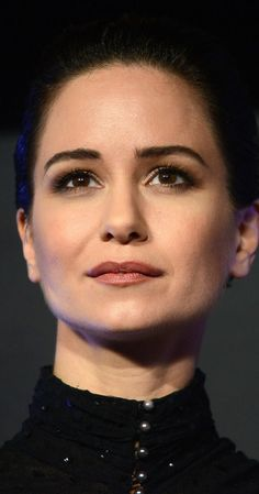 Pictures & Photos of Katherine Waterston - IMDb