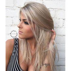 43 Beautiful Winter Blonde Hair Color 97 ash Blonde Color 20 Beautiful Winter Hair Color Ideas for Blondes Livingly 9 Winter Hairstyles, Wig Hairstyles, Straight Hairstyles, Short Haircuts, Urban Hairstyles, Medium Haircuts, Trendy Haircuts, Popular Hairstyles, Kids Hairstyle