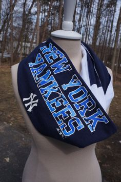 Recycled t-shirt New York Yankees infinity scarf