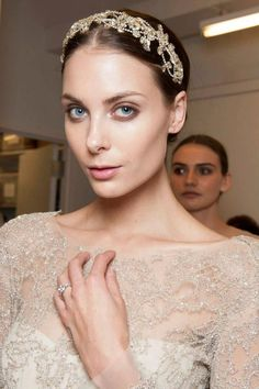 Georgina Wilson and Jess Wilson: The Gorgeous Dresses the Bride and Maid of Honor Wore | http://brideandbreakfast.ph/2016/05/02/georgina-wilson-wedding-dress/