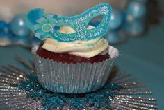 12 Edible Decorations - Masquerade Food Decorations - Teal Masquerade Mask Cupcake Topper