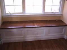 Que vous ayez un beau canapé d'angles ou quelques fauteuils très luxueux, une banquette est toujours appréciée dans une maison. La banquette est généralement disposée du côté de la fenêtre d'où sa…