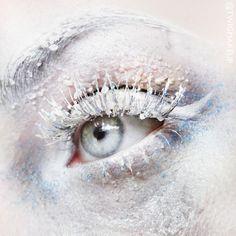 instagram.com/twigmakeup facebook.com/twigmakeup  snow, snow make up, frozen make up, melting snow, snowflakes, white eyebrows, white eyelahes, creative make up, artistic make up, eye art, make up artistry, glitter, wet make up, pastels, pastel make up, soft make up, subtle tones, editorial make up, avant garde make up
