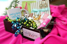 Little Lace Box is a subscription box for women that celebrates your style and puts some fabulous in your fashion. Every other month, Little Lace box hand-curates a selection of name brand and boutique brand products and sends them to your door.
