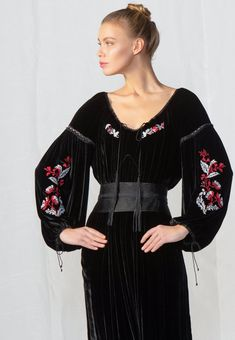 Felicia, Evening Dresses, Bomber Jacket, Traditional, Fashion, Evening Gowns Dresses, Moda, Fashion Styles, Gown Dress