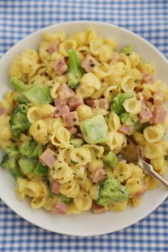 Creamy Ham and Broccoli Shells and Cheese - Cheesy, delicious and easy to make pasta dish with wholesome ingredients! Thecomfortofcooking.com