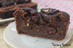 Verás qué rico te queda este plumcake vegano de cacao del blog TAPITAS Y POSTRES. Entre otros ingredientes lleva harina y leche de espelta.