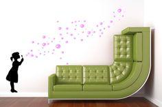 Wandsticker SOAP BUBBLE GIRL Seifenblasen Mädchen - ein Wandtattoo Designerstück von UrbanARTBerlin