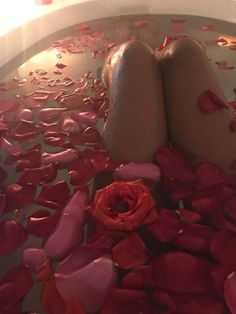 Aesthetic Body, Daddy Aesthetic, Bad Girl Aesthetic, Bobbies Shoes, Bath Photography, Dream Bath, Love Is In The Air, Relaxing Bath, Rose Petals