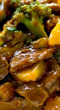 Classic beef and broccoli stir-fry gets a tropical makeover with sweet pineapple and the most AMAZING sauce ever! Meat Recipes, Asian Recipes, Dinner Recipes, Cooking Recipes, Chinese Recipes, Asian Foods, Chinese Meals, Lamb Recipes, Dinner Menu