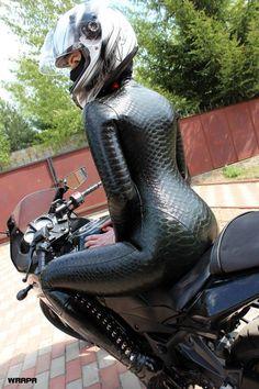 latex-passion: Andromeda Latex, stunning textured latex catsuit