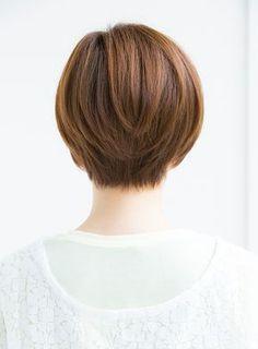 頭の形が綺麗に見えるショートスタイルです!