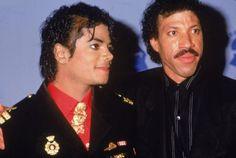 ...more about Michael Jackson at:  http://biografienblog.de