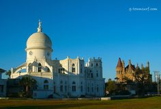A view of Sacred Heart Church and Bishop's Palace on a clear day. Galveston Texas, Galveston Island, On A Clear Day, Little Island, Paradise Island, Sacred Heart, Palace, Taj Mahal, The Neighbourhood