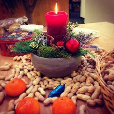 Weihnachten kommt näher, das erkennt man spätestens beim Anblick des Pausentischs. Auf in den Endspurt. Schöne Woche!